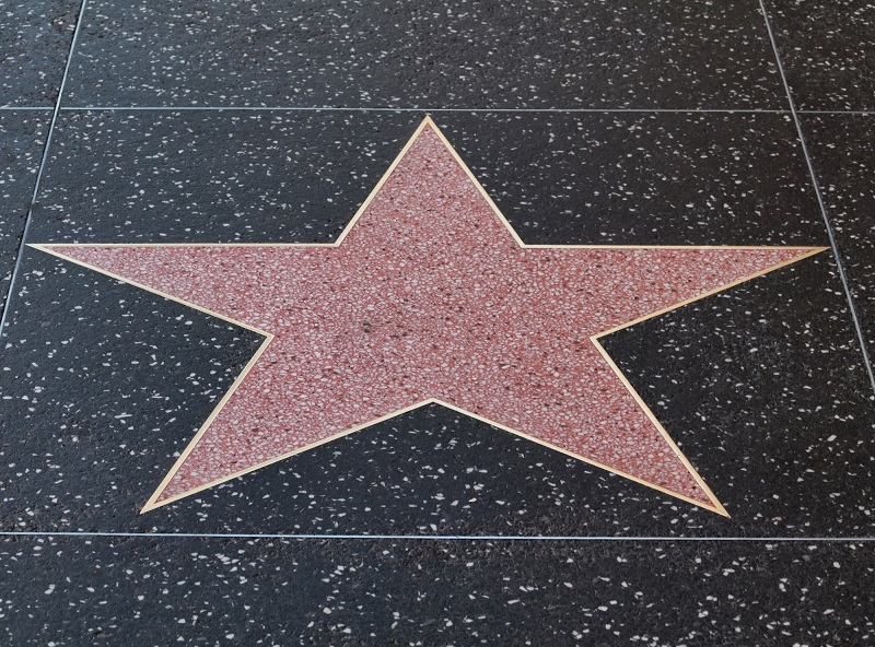 Hollywood Smile – mit czy sekret idealnego uśmiechu?