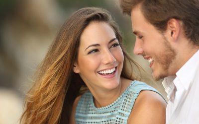 Piękny uśmiech = większa pewność siebie. Jak to osiągnąć?